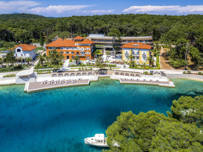 10-30 % off when you book Boutique Hotel Alhambra 5*, Feriehus, ferieboliger og hotell i Kroatia - Charming Croatia